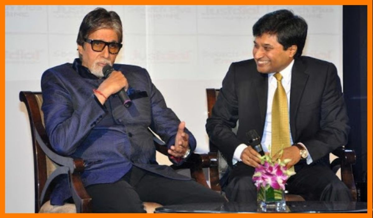 Amitabh Bachchan the brand ambassador with V.S.S Mani the CEO of JustDial