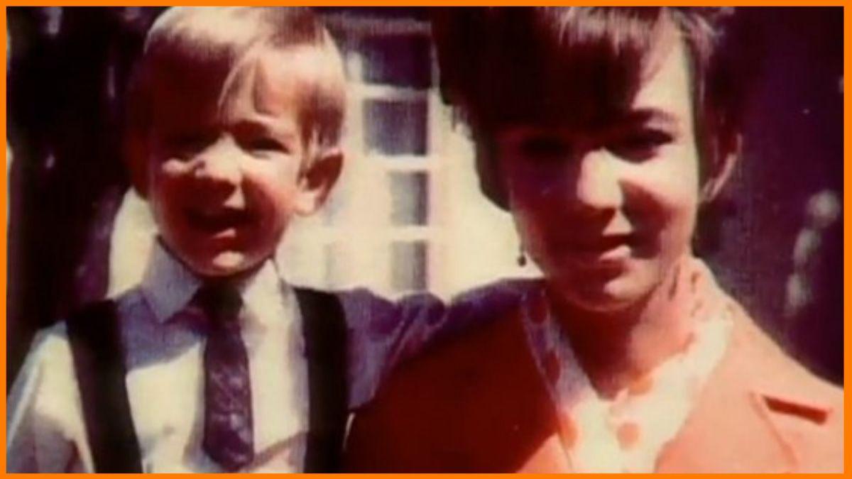 Jeff Bezos with his mother Jacklyn Bezos