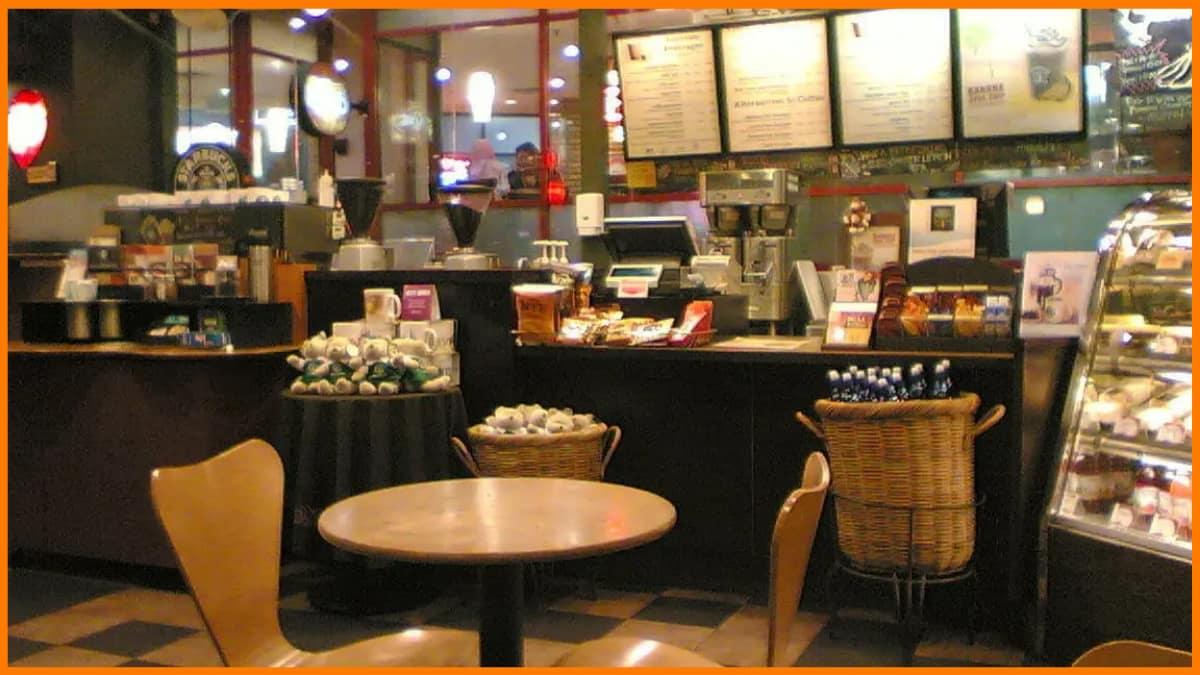Starbucks has Round Tables